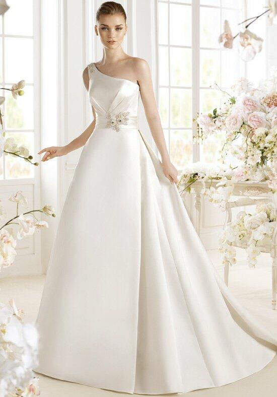 AVENUE DIAGONAL Pazia Wedding Dress photo