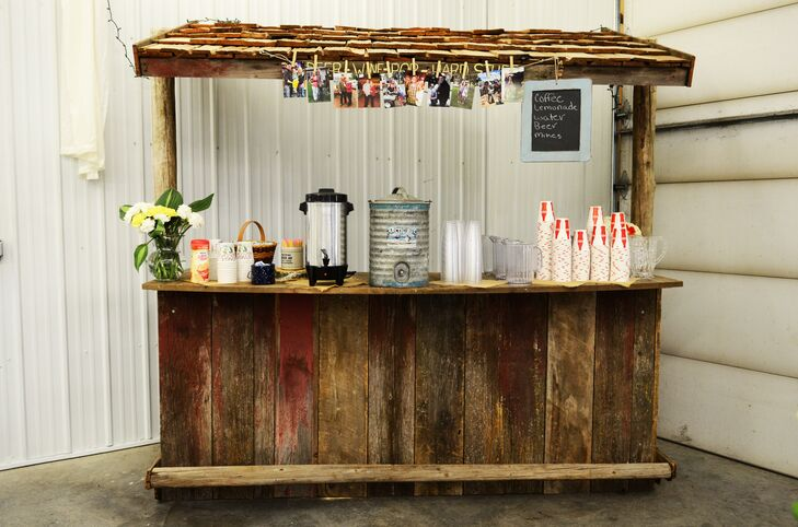 Diy rustic wooden bar for Diy wood bar