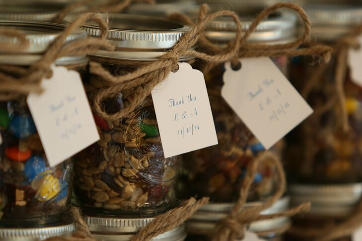 DIY Trail Mix in Mason Jar Wedding Favors