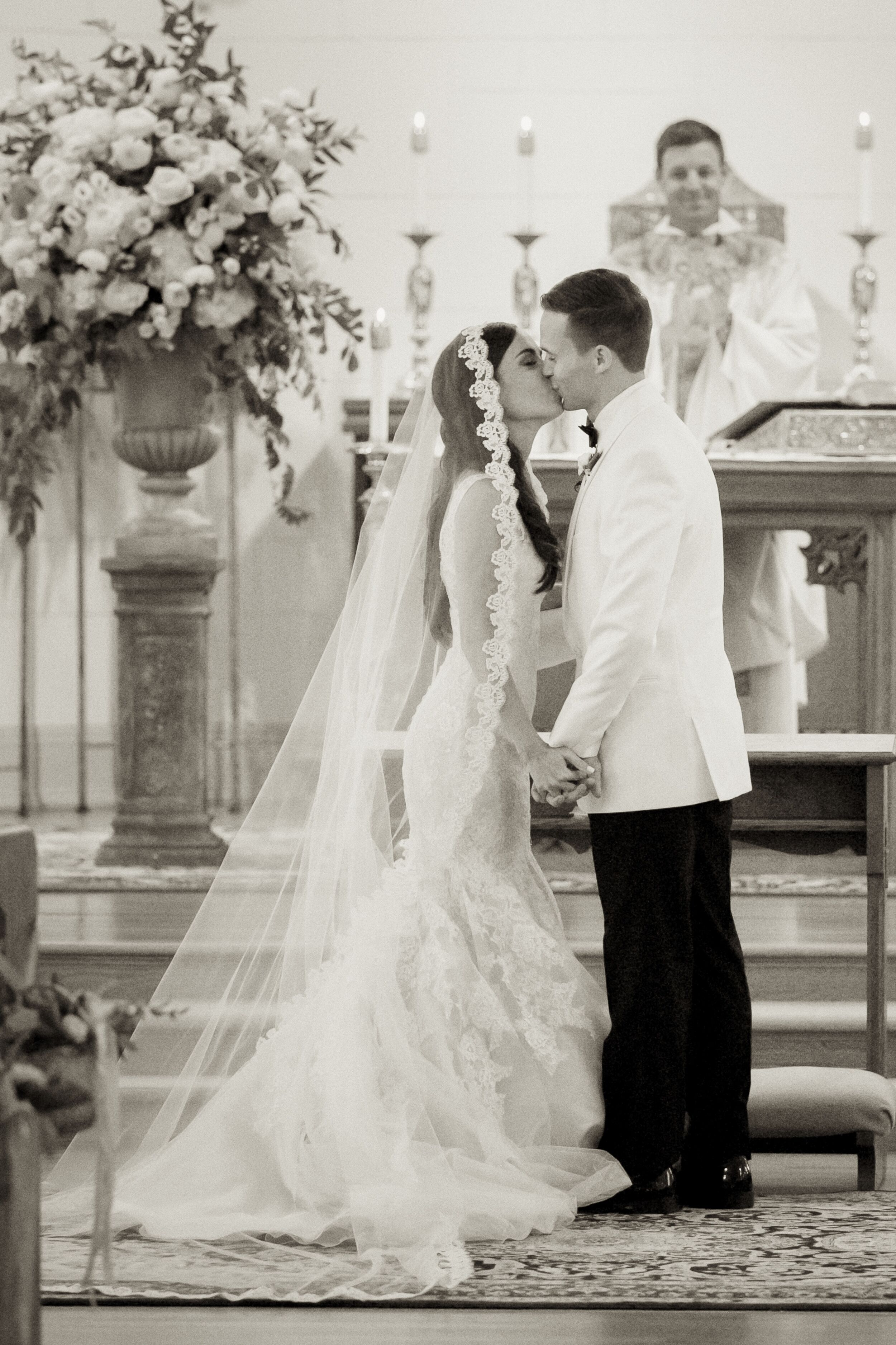 Cuban Bride Lace Lined Cathedral Mantilla Veil
