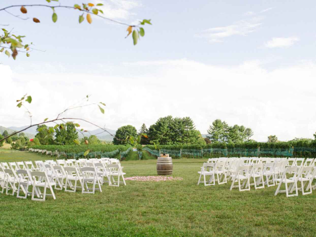 11 Tips to Pull Off A Vineyard Wedding