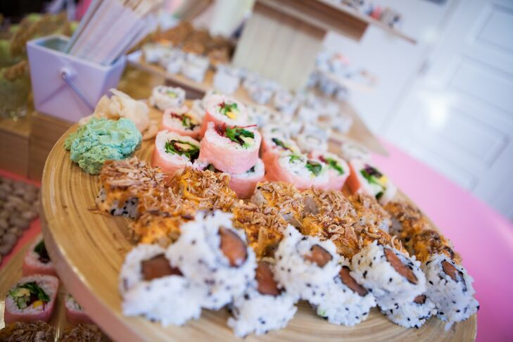 Mallory and Michael wanted their menu to reflect their love of food and their affinity to global cuisine. They served up a mouthwatering mix of sushi, Thai bento boxes and traditional Southern barbecue, much to the enjoyment of guests.
