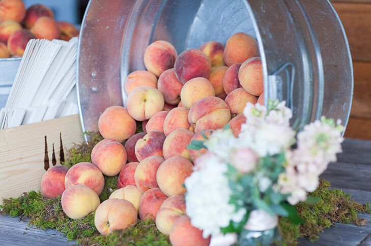 Georgia Peach Centerpiece and Wedding Favors