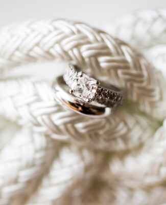 Creative Ways to Display Ring/Studio Nouveau/The Knot blog