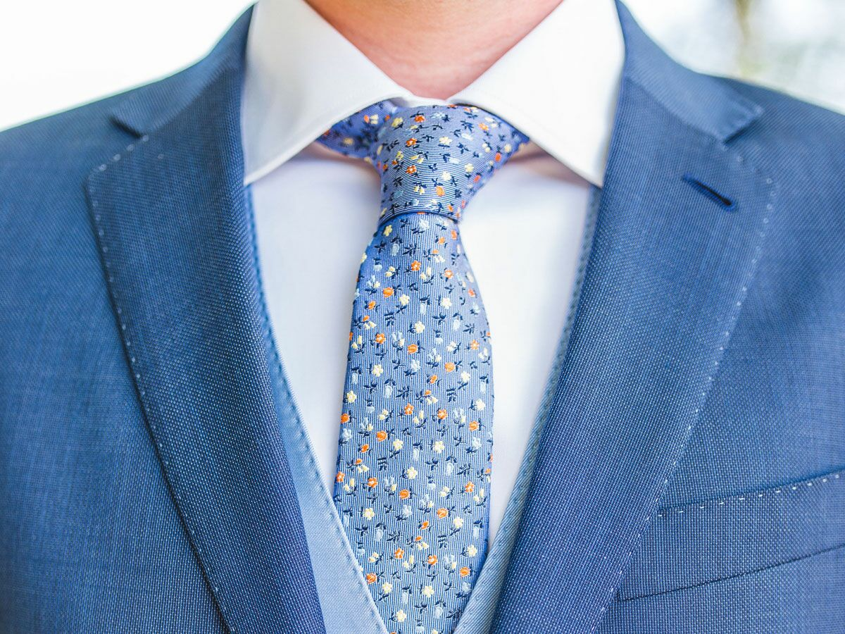 Necktie Knots How to Tie a Tie: 6 Ea...