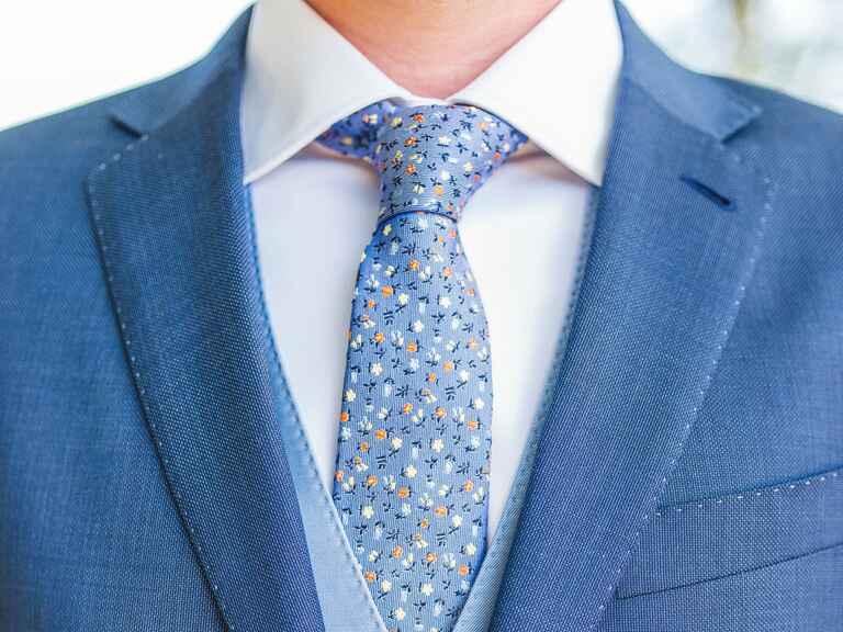 double windsor tie instructions