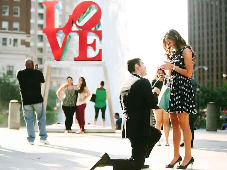Marriage proposal in front of Philadelphia's LOVE sculpture