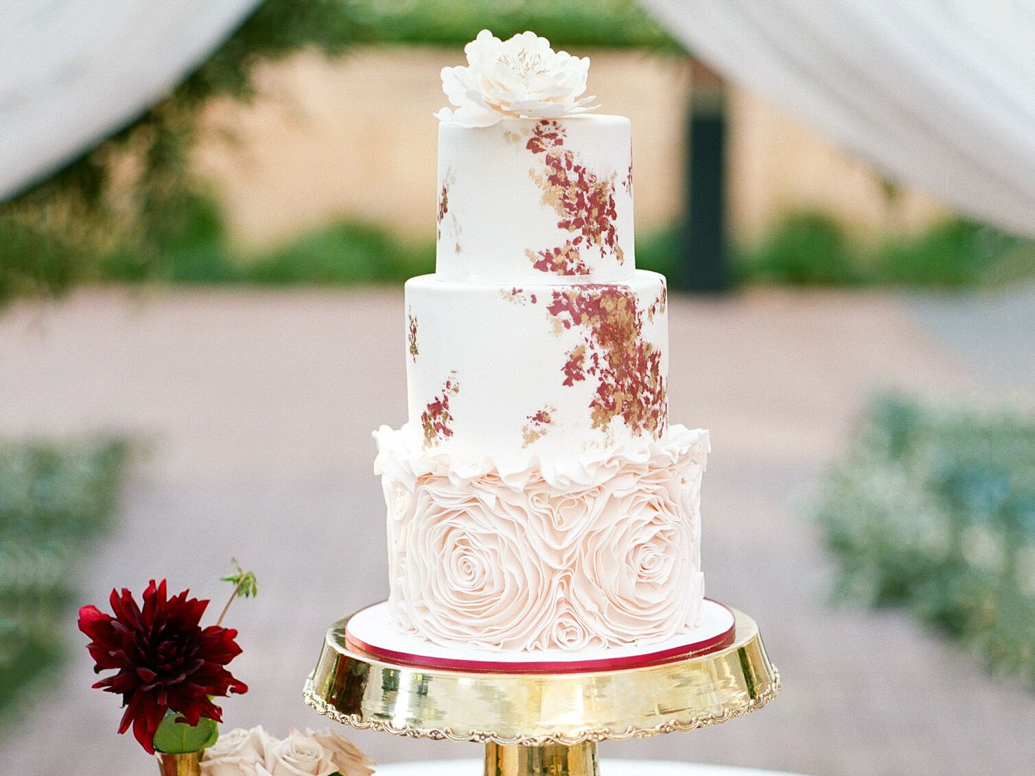 Wedding Cakes: A Complete Wedding Cake Checklist