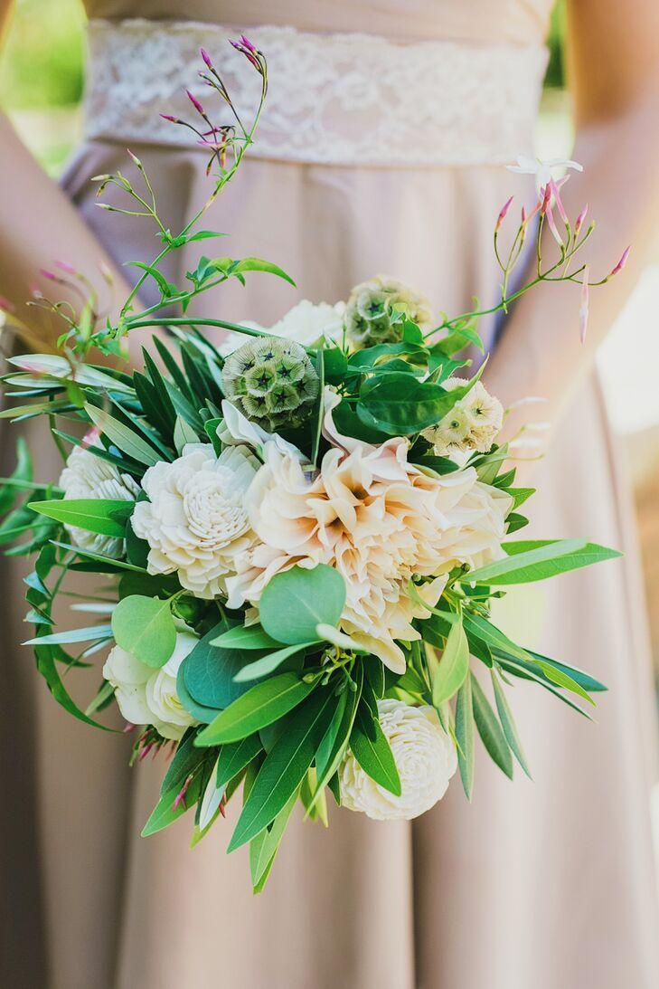 Vibrant green and white bridesmaid bouquets izmirmasajfo