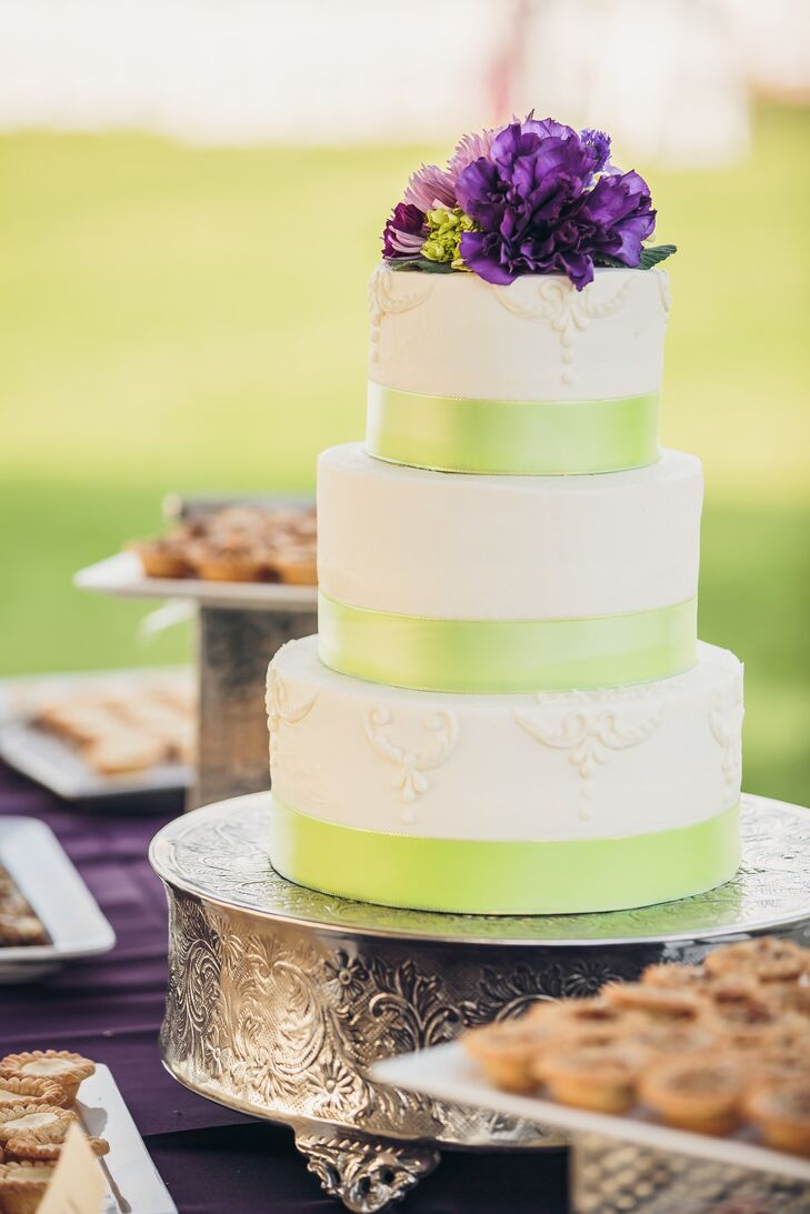 Green Satin Ribbon-Wrapped Wedding Cake