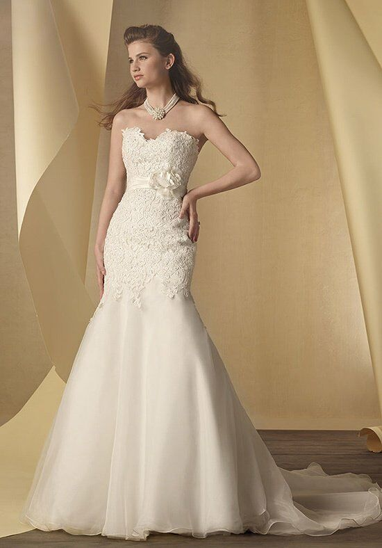 Alfred Angelo Signature 2456 Wedding Dress photo