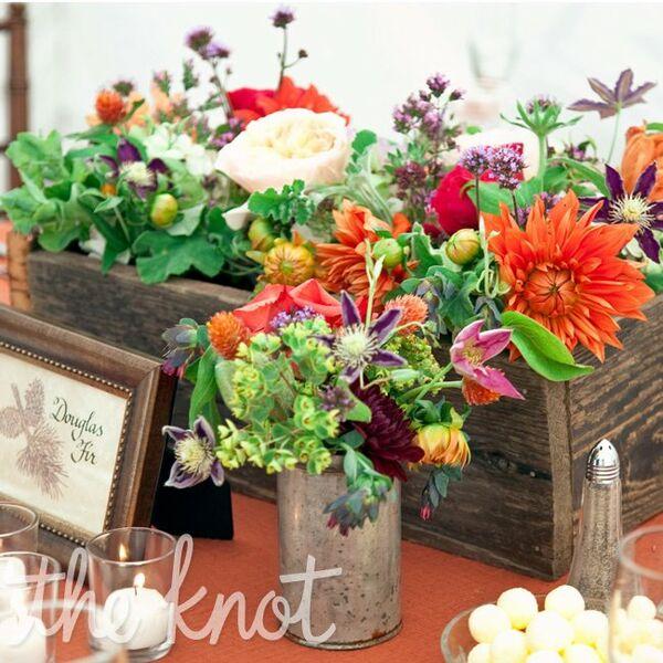Rustic Mexican Wedding Theme: Orange Rustic Reception Decor