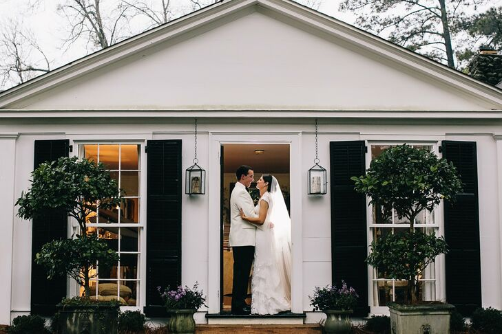 A formal home wedding in albany ga for Wedding dresses albany ga