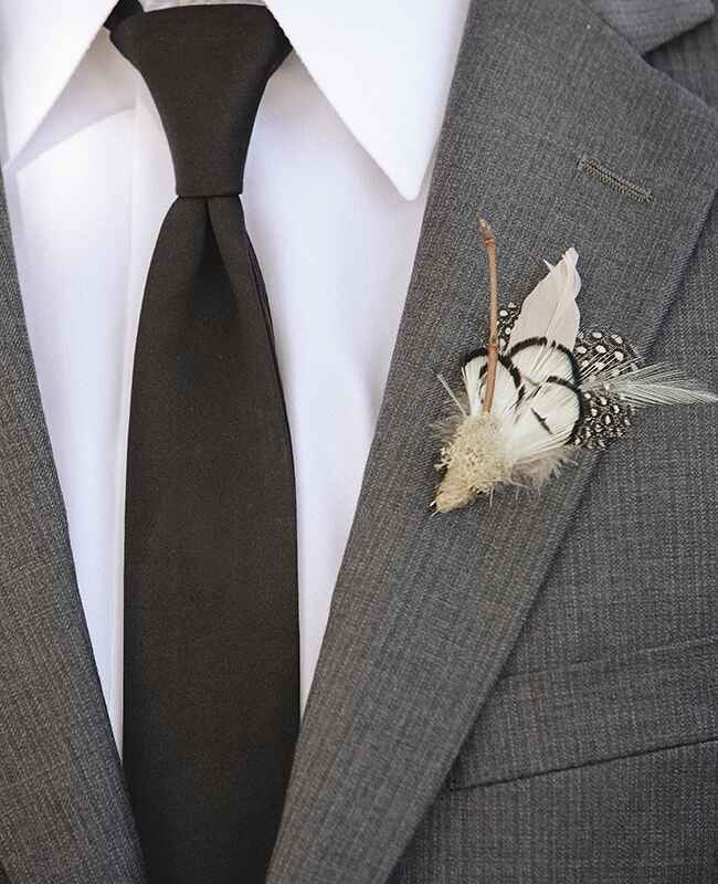 feather boutonniere |<img class=