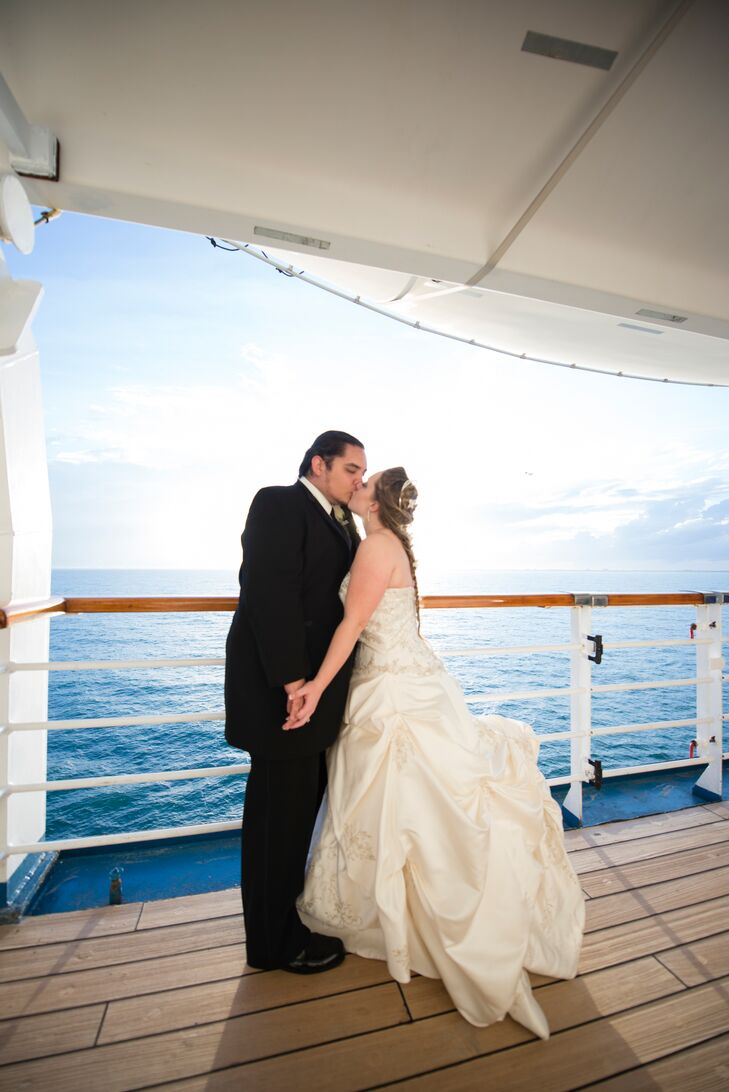 A Simple Wedding at Carnival Cruise Lines in Port Canaveral, Florida