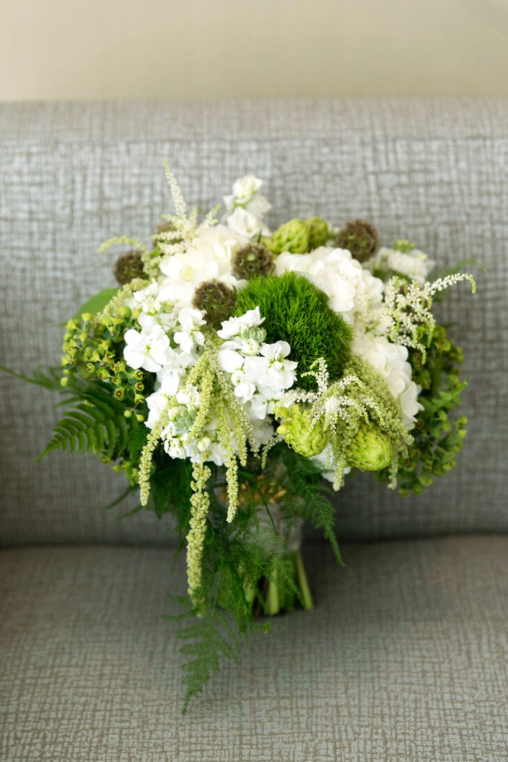 Organic, Woodland-Inspired Bridal Bouquet