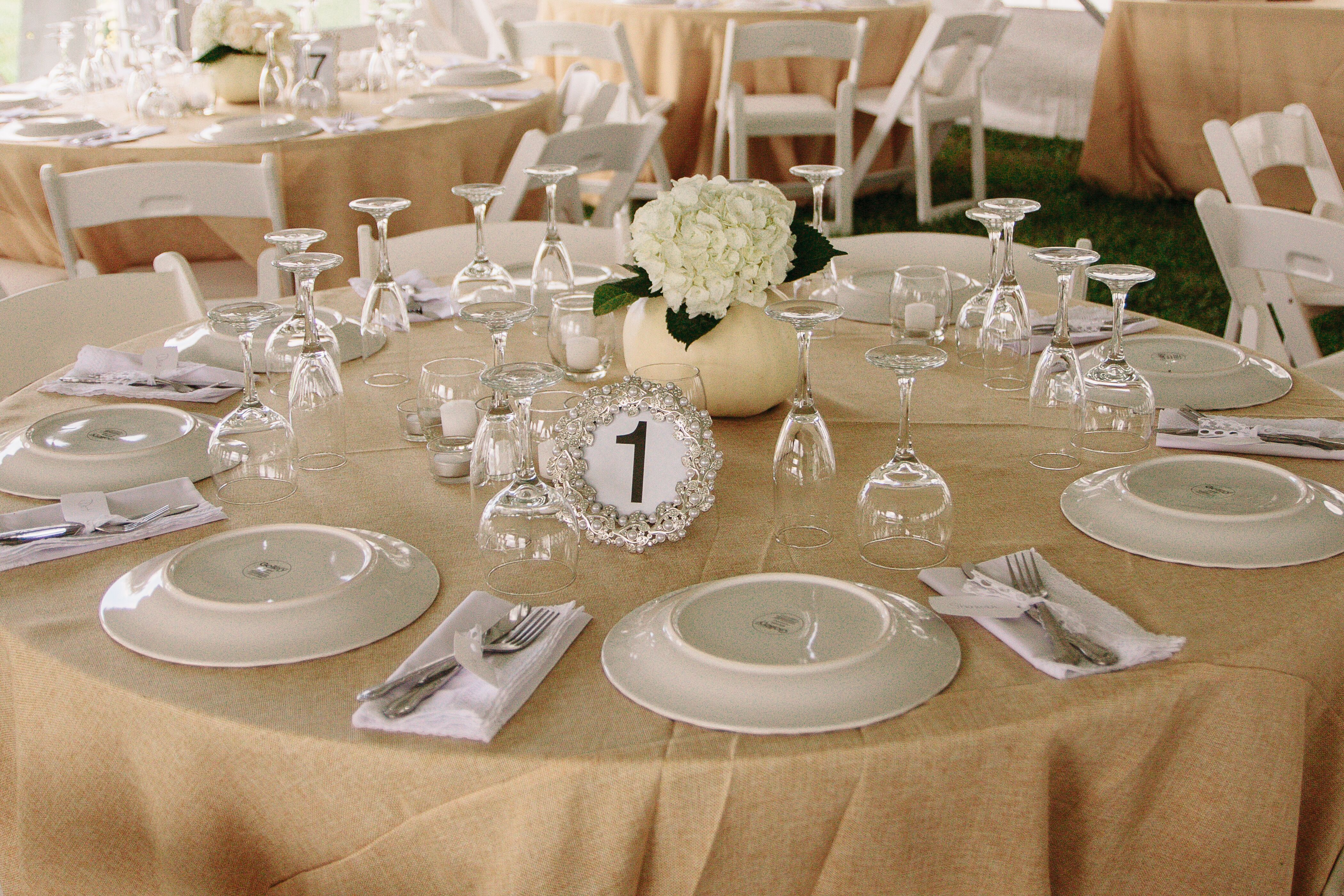Gold Linen Dining Tables And Centerpieces