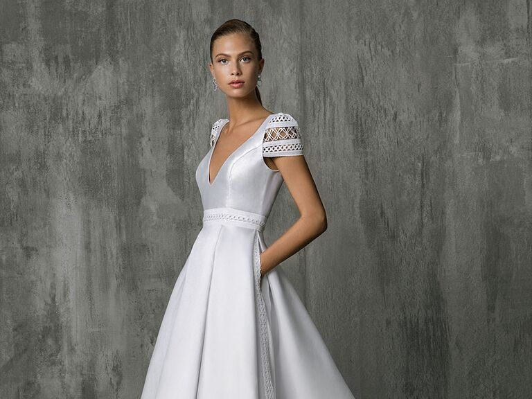 Victoria Kyriakides Fall 2018 wedding dress pocket trend