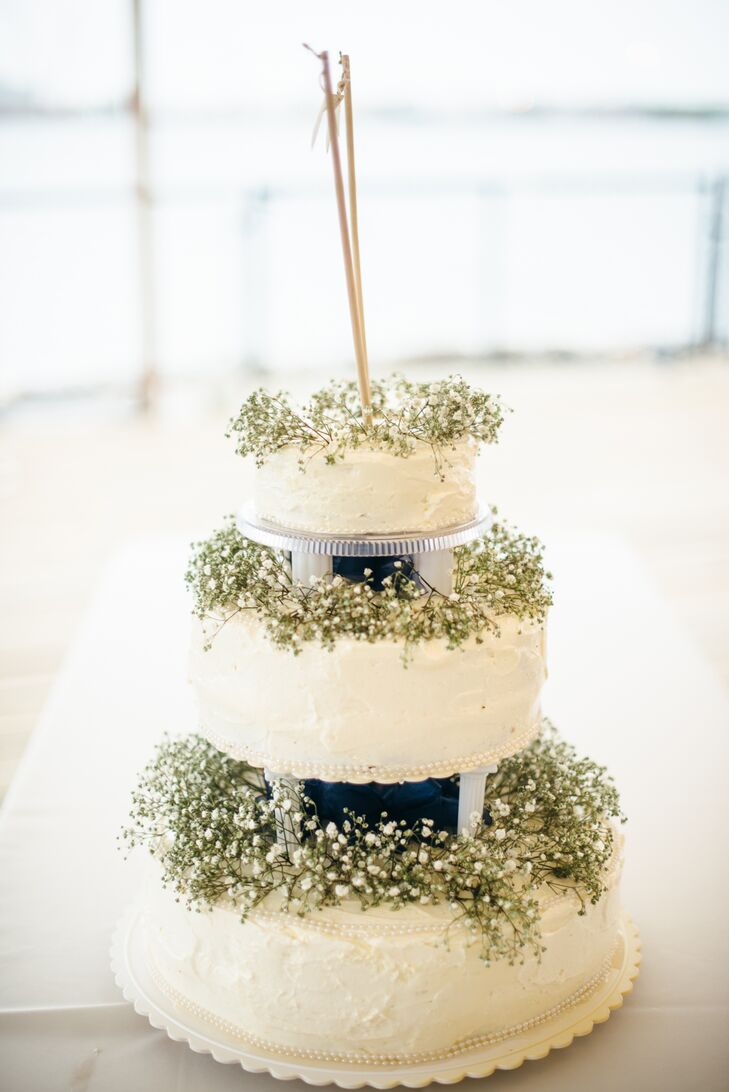 babys breath wedding cake ivory three tier wedding cake with baby s breath 11002