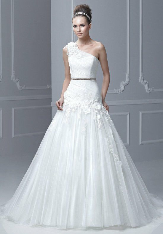 Blue by Enzoani Floro Wedding Dress photo