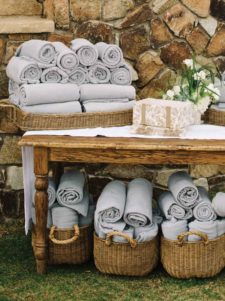 Gray throw blankets for a rustic wedding favor idea
