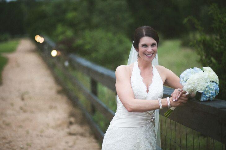 A Simple, Elegant Wedding At Antebellum Oaks Venue In