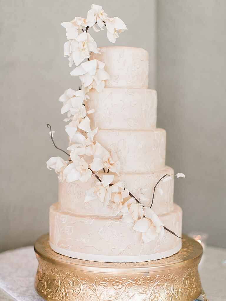 sugar flowers for wedding cakes 16 prettiest sugar flower wedding cakes 20571