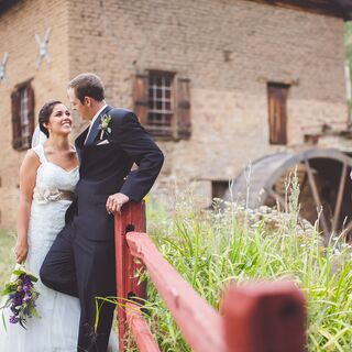 A Rustic Vintage Wedding in Cleveland