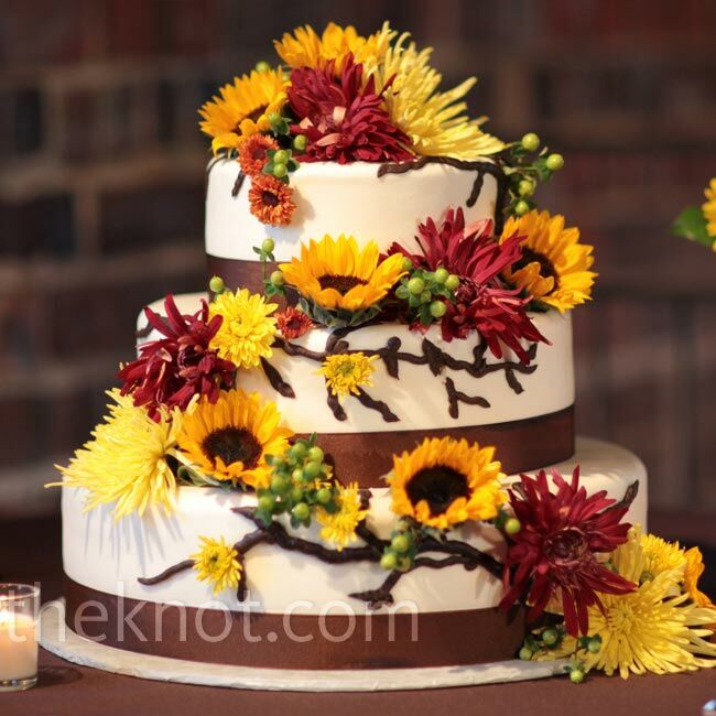 wedding cakes with sunflowers and roses sunflower and cake 26125