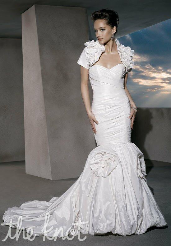 Demetrios GR219 Wedding Dress photo