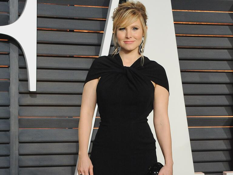 Kristen Bell poses at an event