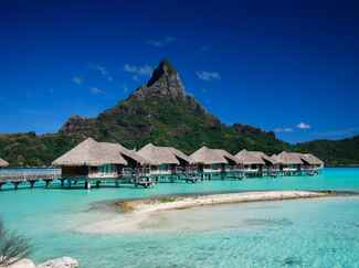 Far-Flung wedding destination: Tahiti