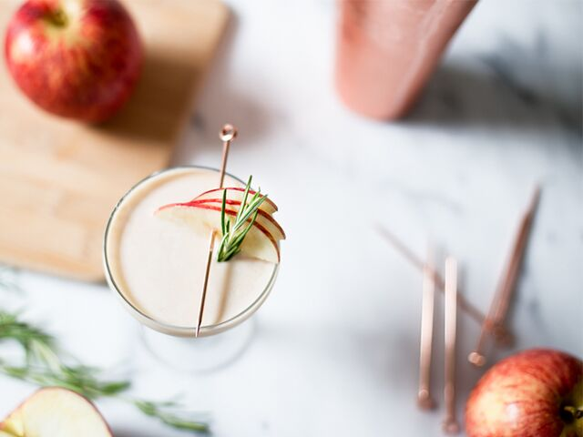 An Apple-Infused Cocktail to Welcome Fall