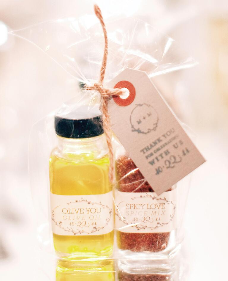 Oil and spices wedding favor