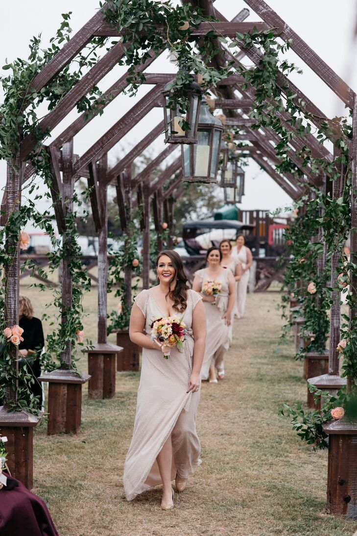 A fall wedding at willow creek ranch in cleburne texas Places to have a fall wedding