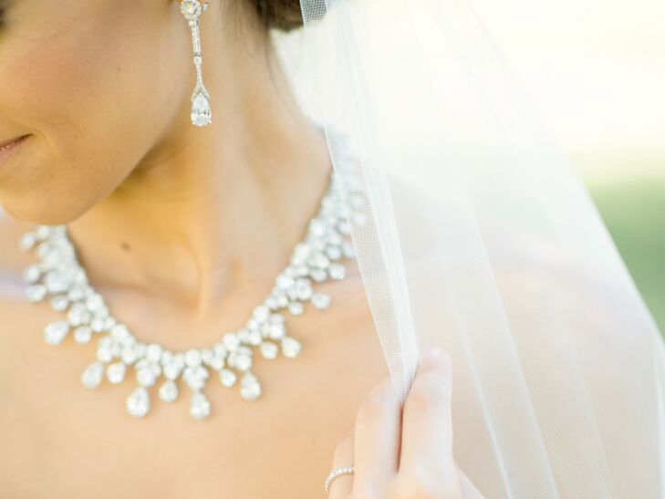 5 Tips For Picking Wedding Jewelry You Ll Love
