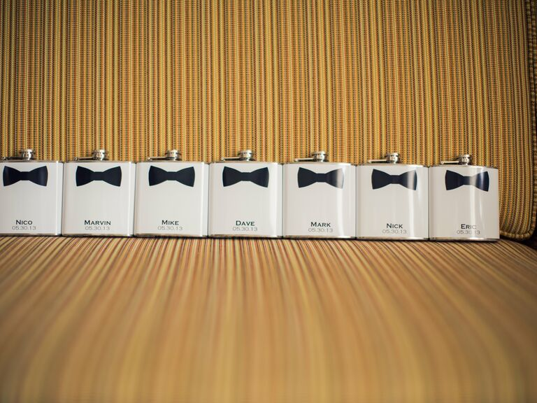 Wedding Party Gift Ideas For Groomsmen Canada : Advice for the Groom - Groomsmen Etiquette