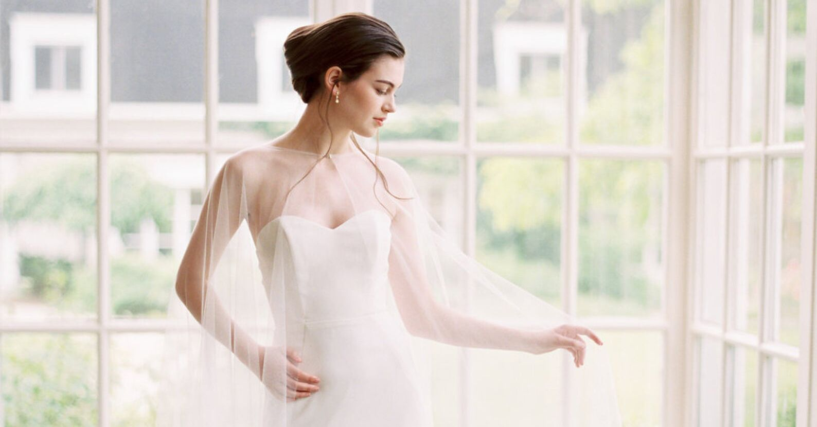 20 Stunning Bridal Capes for Wedding Dresses that You Will Love