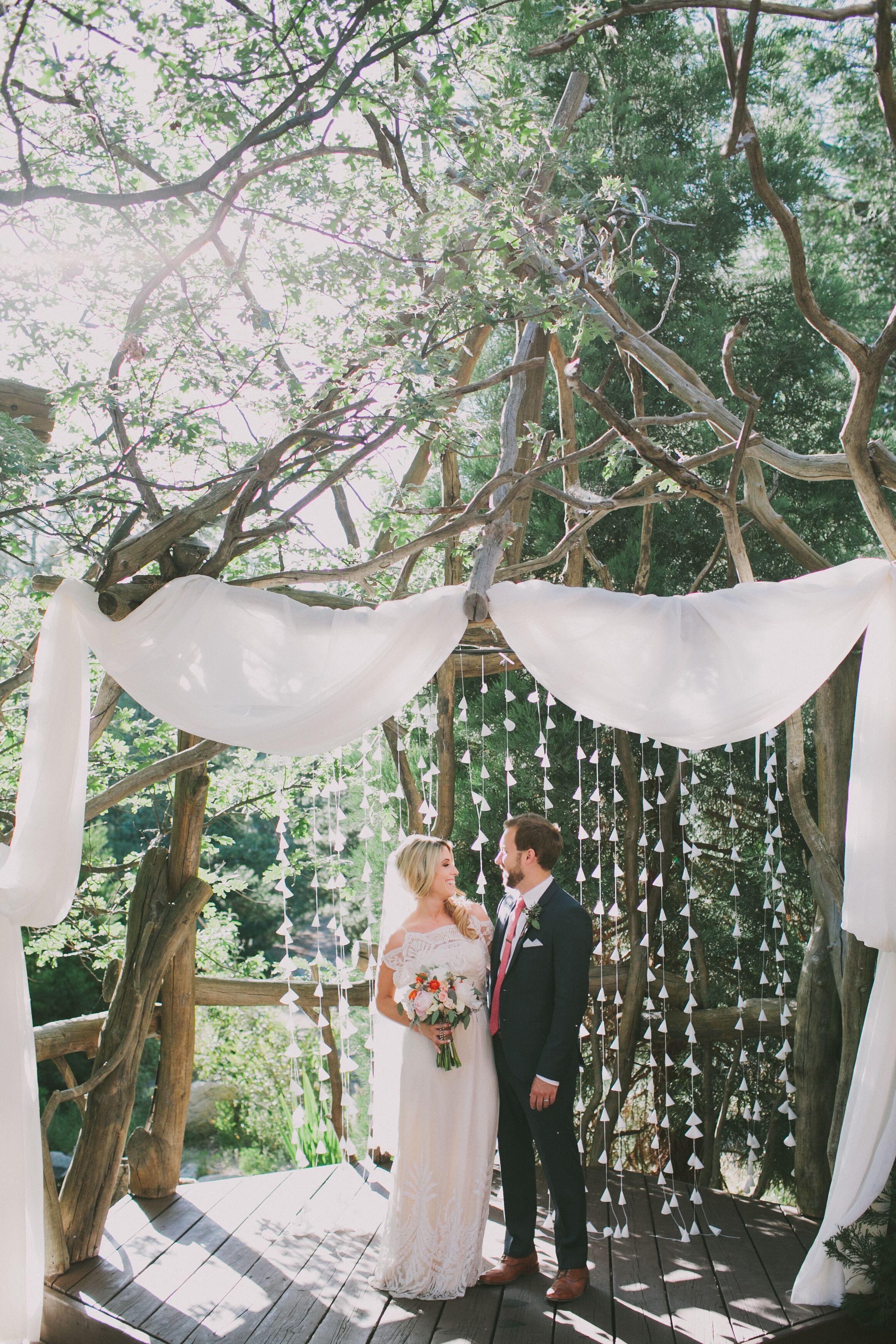 a rustic mountain wedding at pine rose cabins in lake
