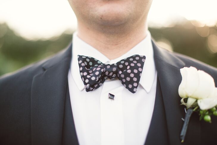 Fares and his groomsmen wore classic black Vera Wang tuxedos with black bow ties. Fares stood out among them with a striped polka dot print on his tie.