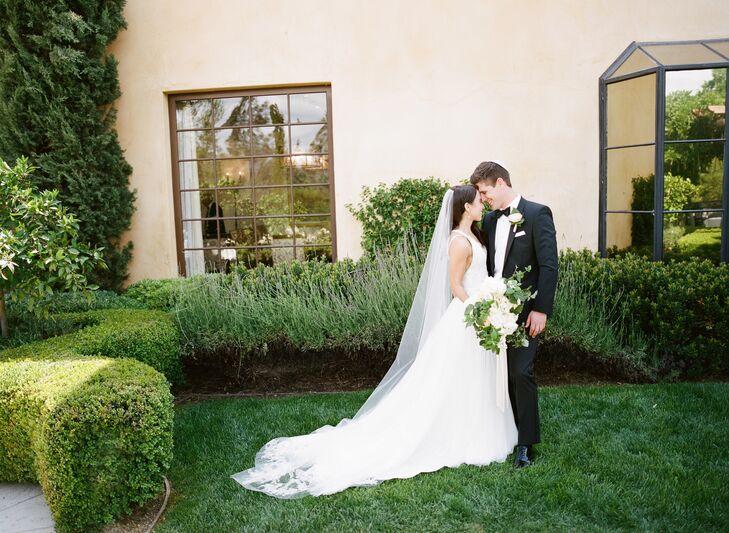 Neutral Elegant Outdoor Wedding: A Neutral, Elegant Wedding At Casa Elar In Ojai, California