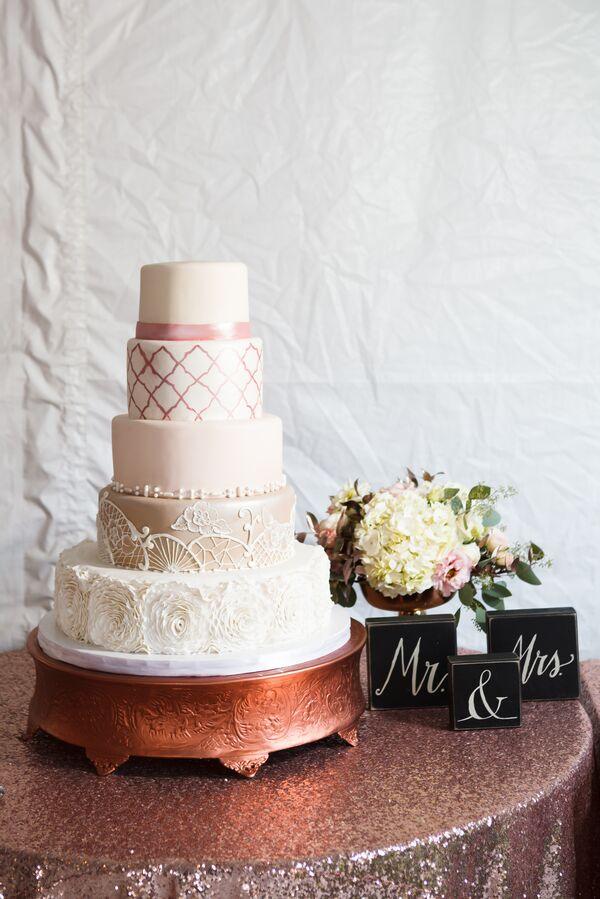 Wedding Cake Accessories