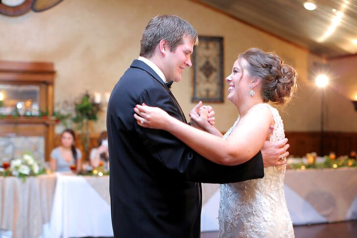 "The bride and groom's first dance was a choreographed routine to Ed Sheeran's ""Thinking Out Loud."""