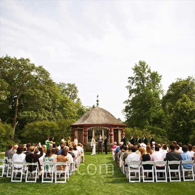 An Outdoor Wedding in Beverly MA
