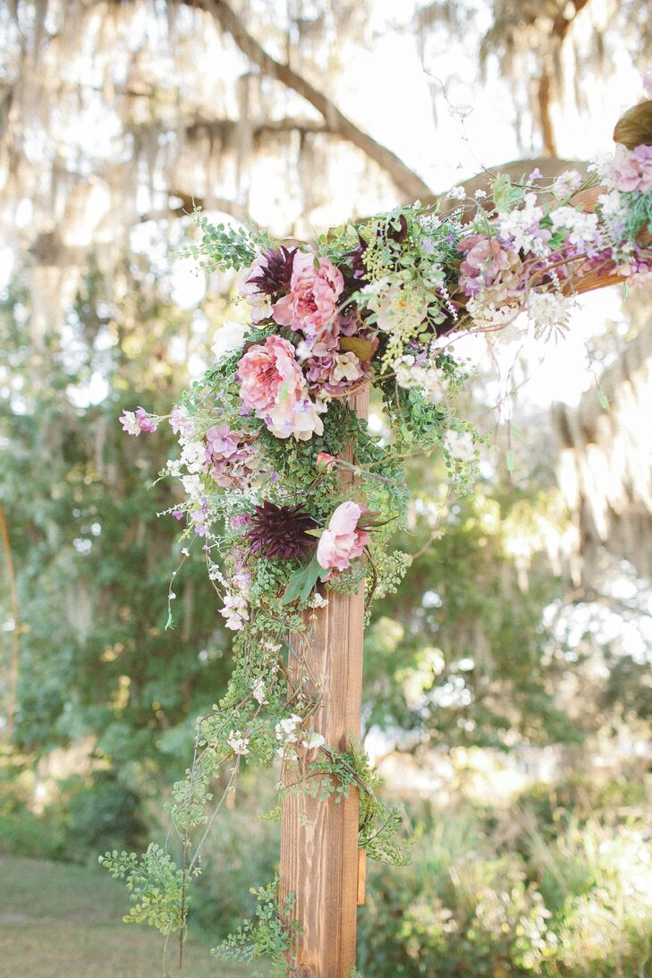 Romantic Pink and Burgundy Wedding Arch Accents