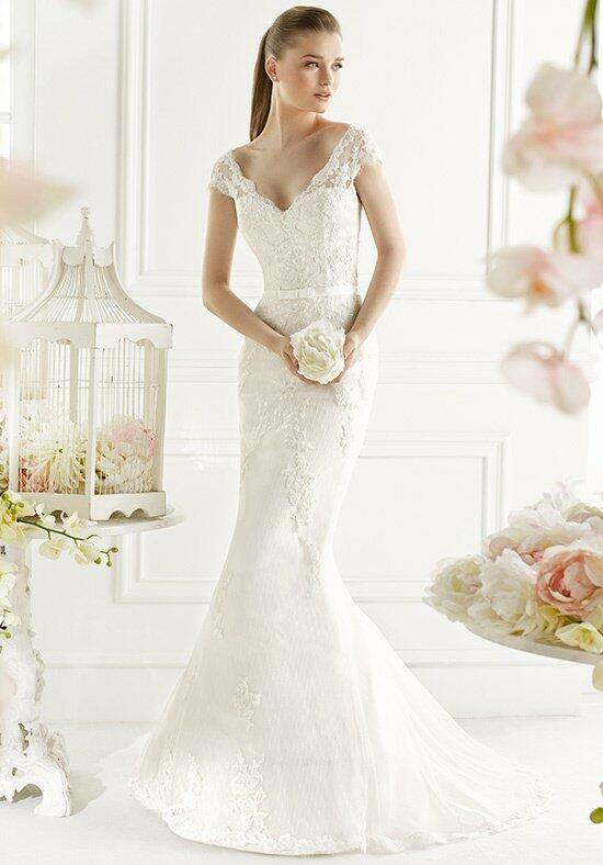 AVENUE DIAGONAL Gali Wedding Dress photo