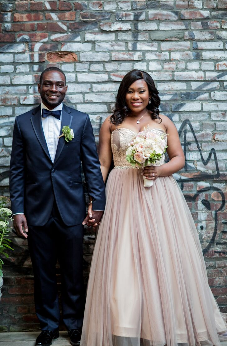 Kendra Mathias (35 and a finance manager) and Monte Nelson (39 and a quality director) planned a glam, fun-filled affair with a palette of blush and m