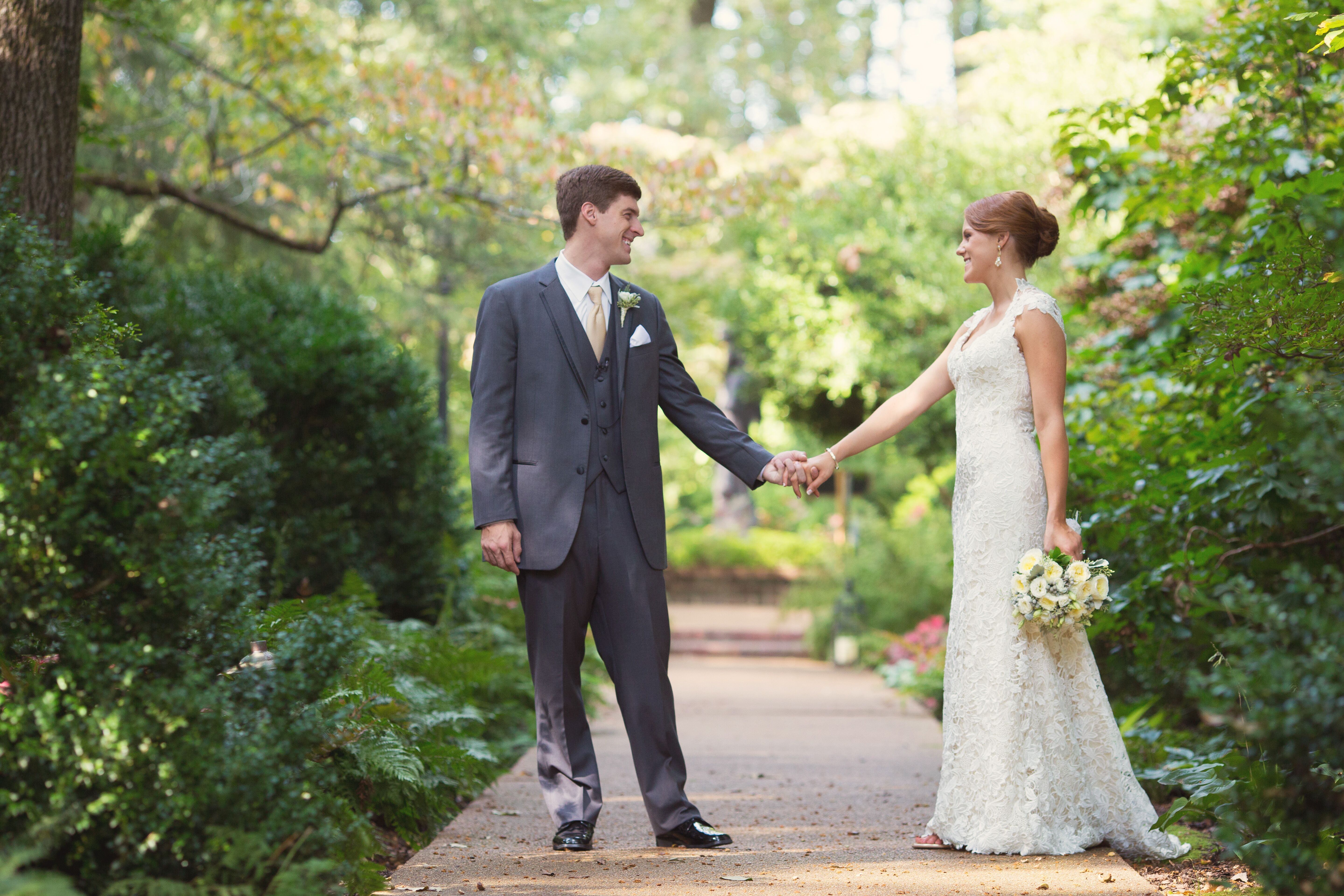 Dixon gallery and gardens wedding for Wedding dresses in memphis