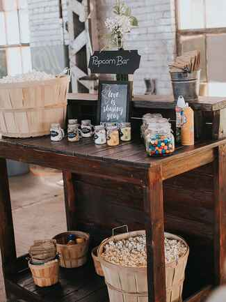 Fun popcorn bar wedding food idea