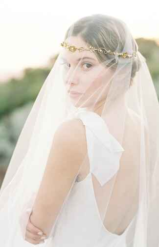 Long halo veil by Hushed Commotion